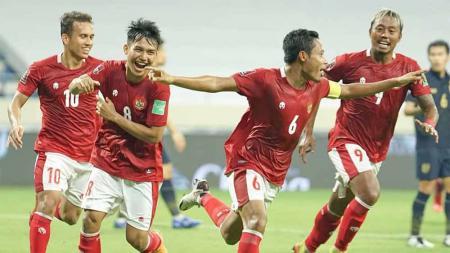 Selebrasi Evan Dimas usai mencetak gol ke gawang Thailand. - INDOSPORT
