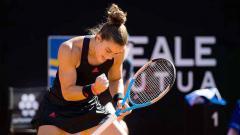 Indosport - Petenis peringkat 18 dunia sekaligus unggulan 17, Maria Sakkari sukses mencetak rekor menakjubkan usai melaju ke putaran keempat Prancis Terbuka 2021.