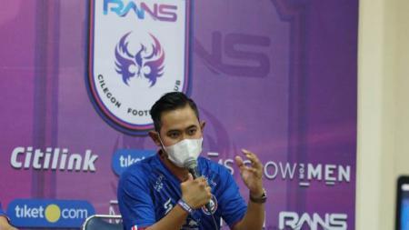 Gilang Widya Pramana diangkat oleh direksi sebagai presiden klub Arema FC. - INDOSPORT