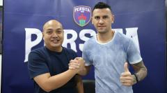 Indosport - Alex Goncalves resmi berlabuh ke Persita Tangerang.
