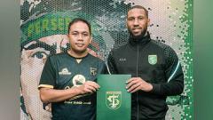 Indosport - Resmi, Persebaya Surabaya Rekrut Mantan Pemain Leicester City dan Arsenal.