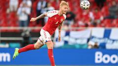 Indosport - Berikut lima berita terpopuler INDOSPORT dalam Top 5 News, Minggu (13/06/21) di mana Kjaer menjadi penyelamat Eriksen dan AC Milan datangkan dua pemain anyar.
