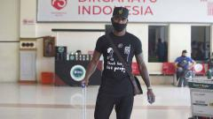 Indosport - Pemain asing Persiraja terakhir, Paulo Henrique, saat tiba di Banda Aceh, Selasa (15/06/21) siang.