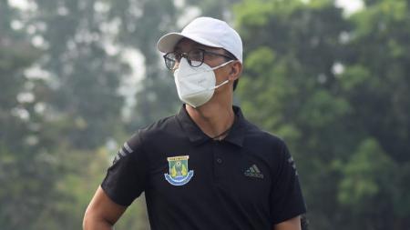 Pelatih Persikota, Sahala Saragih. - INDOSPORT