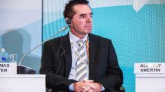 Indosport - Tom Byer, pelatih sepak bola dari Amerika Serikat