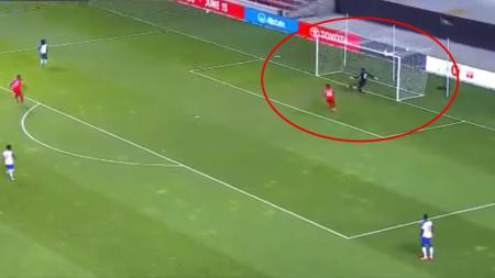 Kiper Haiti Cetak Gol Bunuh Diri Konyol di Kualifikasi Piala Dunia - INDOSPORT