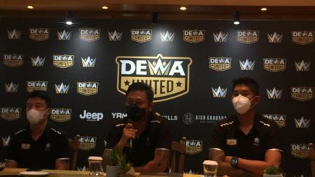 Jumpa pers Dewa United terkait ditundanya grand launching klub, Minggu (20/06/21) besok. - INDOSPORT