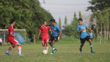 PSMS Medan saat melakoni laga uji coba kontra Karo United, Jumat (18/6/21) petang. - INDOSPORT