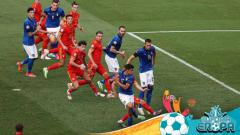 Indosport - Proses gol Italia ke gawang Wales yang dicetak oleh Matteo Pessina.