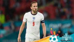 Indosport - Harry Kane, striker dan kapten Timnas Inggris saat berlaga di Euro 2020.