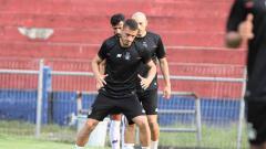 Indosport - Tiga pemain asing Persik dari depan: Arthur Felix (Brasil), Youssef Ezzejari (Spanyol) dan Ibrahim Bahsoun (Lebanon).