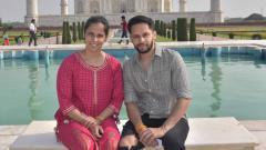 Indosport - Saina Nehwal dan suami kencan di Taj Mahal.