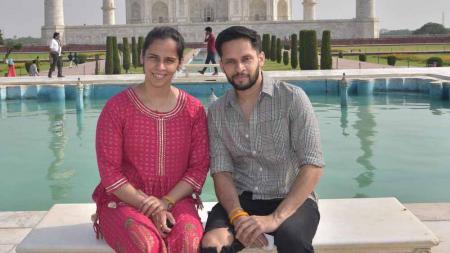 Saina Nehwal dan suami kencan di Taj Mahal. - INDOSPORT