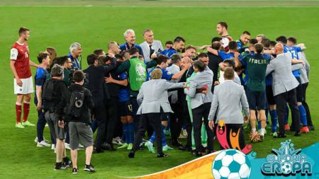 Para pemain Italia merayakan kemenangan pada pertandingan babak 16 besar Euro 2020 antara Italia vs Austria. - INDOSPORT