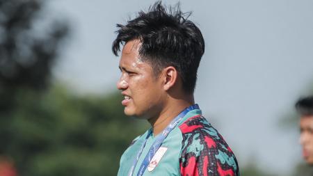 Mantan pelatih fisik Bali United, Roni Azani mengaku bahagia dan merasa pilihannya mencari tantangan baru dengan gabung Liga 2 Persis Solo sudah tepat. - INDOSPORT