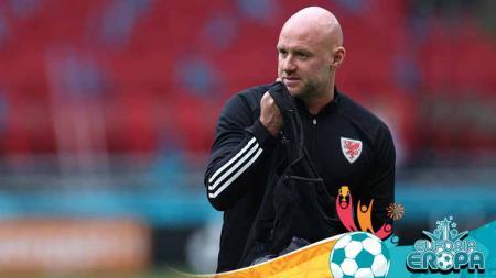 Robert Page, pelatih Timnas Wales di Euro 2020. - INDOSPORT