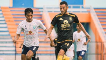 Jose Wilkson memborong 3 gol dalam laga uji coba melawan Persela. - INDOSPORT