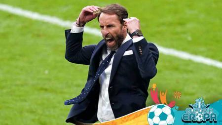 Pelatih Timnas Inggris, Gareth Southgate merayakan kemenangan setelah peluit akhir dibunyikan pada pertandingan babak 16 besar UEFA Euro 2020 - INDOSPORT