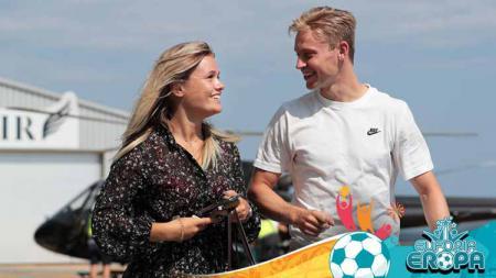 Mikky Kiemeney dan Frenkie de Jong. - INDOSPORT