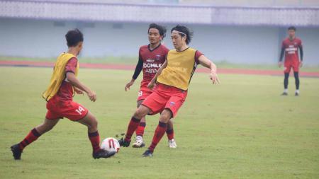 Pelatih Persita Tangerang, Widodo Cahyono Putro langsung mengubah program latihan tim setelah Liga 1 ditunda. - INDOSPORT