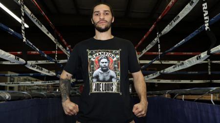 Cucu petinju legendaris Muhammad Ali, Nico Ali Walsh, bakal mengikuti jejak sang kakek yakni akan debut di atas ring tinju dalam waktu dekat. - INDOSPORT