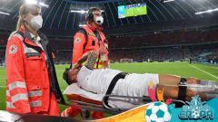 Indosport - Leonardo Spinazzola mengalami cedera di laga Belgia vs Italia.