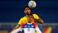 Indosport - Pertandingan Copa America Brasil vs Chile.