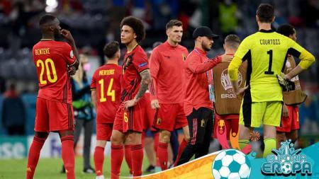 Para pemain Belgia terlihat sedih setelah kalah pertandingan perempat final Kejuaraan UEFA Euro 2020 antara Belgia dan Italia. - INDOSPORT