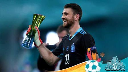 Sempat disorot berkat blundernya di 16 besar Euro 2020, Unai Simon kini jadi pahlawan kemenangan Spanyol di perempat final usai gemilang di babak adu penalti. - INDOSPORT