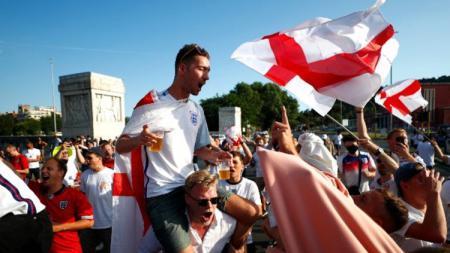 Menjelang partai final Euro 2020, UEFA dengan tegas melarang pemutaran lagu kebanggaan Inggris yang mengandung lirik Football Is Coming Home. - INDOSPORT