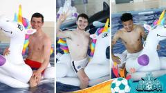 Indosport - Para pemain Inggris kembali gunakan pelampung air Unicorn sebagai 'jimat' di Euro 2020.