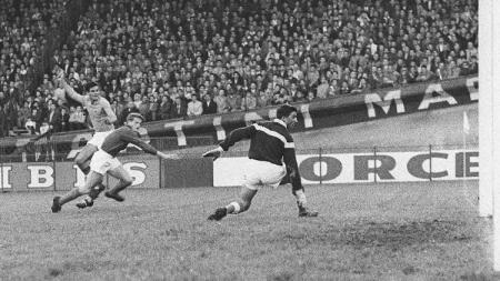 Pertandingan semifinal Piala Eropa antara Prancis versus Yugoslavia, 6 Juli 1960. - INDOSPORT