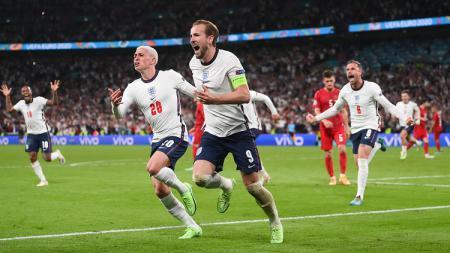 Sempat tertinggal, Inggris lolos ke final Euro 2020 usai mengalahkan Denmark 2-1 di perpanjangan waktu. Berikut deretan rekor yang ditorehkan tim Tiga Singa. - INDOSPORT