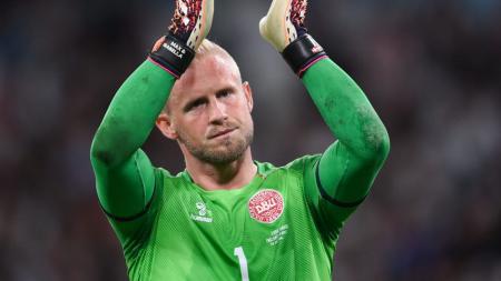 Kumpulan meme kocak Kasper Schmeichel viral di Twitter usai Denmark dihancurkan oleh Inggris pada ajang Euro 2020. - INDOSPORT