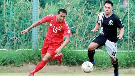 Eks striker PSIM Yogyakarta, Edi Rintoko, berhasil menyumbangkan satu gol dan mengantarkan kemenangan besar untuk klub Taiwan. - INDOSPORT