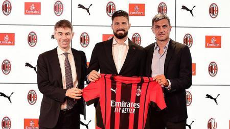 Sudah resmi bergabung dengan AC Milan usai meninggalkan Chelsea, Olivier Giroud langsung melontarkan pesan kepada para penggemar Rossoneri. - INDOSPORT