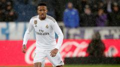 Indosport - Eder Gabriel Militao Berseragam Real Madrid