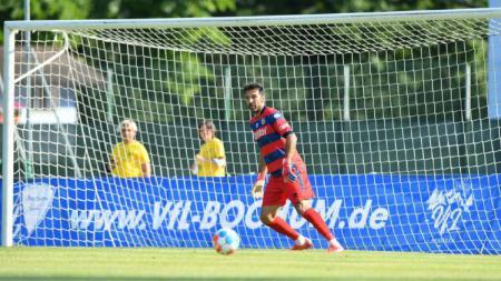Gianluigi Buffon kala menjalani 'debutnya' bersama Parma. - INDOSPORT