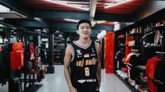 Indosport - Pebasket Abraham Wenas punya optimisme tinggi ketika gabung Bali United. Eks Amartha Hangtuah ini yakin bisa meraih juara Indonesia Basketball League (IBL) bersama Tridatu Warriors.