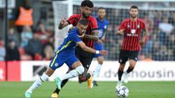 Duel pemain Chelsea dan Bournemouth di laga pramusim, Rabu (28/07/21) dini hari WIB.