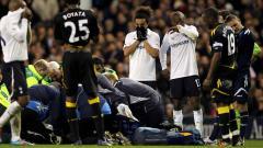 Indosport - Suasana saat Fabrice Muamba kolaps di lapangan.