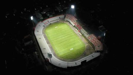 Tampilan baru Stadion Kapten I Wayan Dipta Gianyar setelah direnovasi. - INDOSPORT