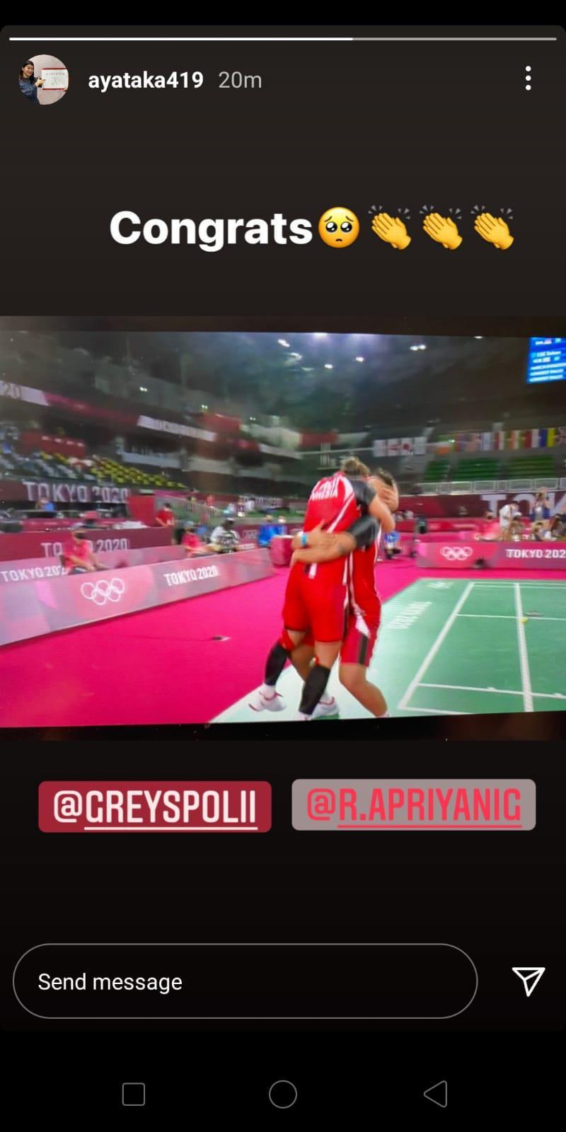 Ayaka Takahashi memberikan ucapan selamat untuk Greysia/Apriyani yang lolos ke final Olimpiade Tokyo 2020 Copyright: Instagram/@ayataka419