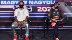 Indosport - Lewis Hamilton dan Max Verstappen terlibat rivalitas panas di Formula 1 tahun ini. Berikut 5 rivalitas terpanas yang sebelumnya pernah hadir di dunia F1.