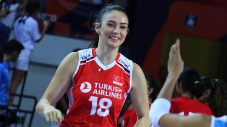 Atlet voli asal Turki, Zehra Gunes. - INDOSPORT