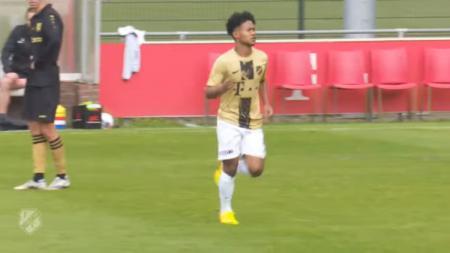 Aksi Bagus Kahfi Bersama FC Utrecht di Belanda - INDOSPORT