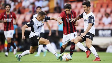 Suasana pertandingan ujicoba Valencia vs AC Milan - INDOSPORT