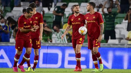 Berikut hasil ujicoba pramusim Real Betis vs AS Roma, Minggu (08/08/21) dini hari WIB. Tiga pemainnya dan Jose Mourinho dikartu merah, Giallorossi babak belur. - INDOSPORT
