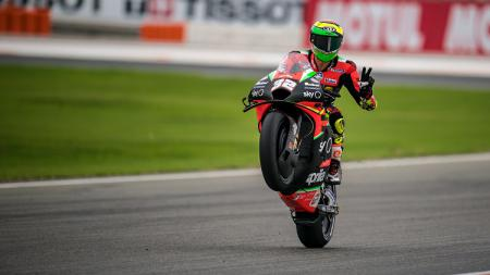 Aprilia Racing tutup peluang menurunkan Andrea Dovizioso di MotoGP Austria akhir pekan ini meski Lorenzo Savadori harus absen usai alami crash di MotoGP Styria. - INDOSPORT