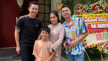 Rafathar Gemar Bulutangkis, Raffi Ahmad Langsung Panggil Taufik Hidayat - INDOSPORT